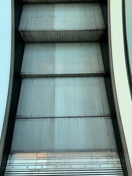Nettoyage industriel escalator